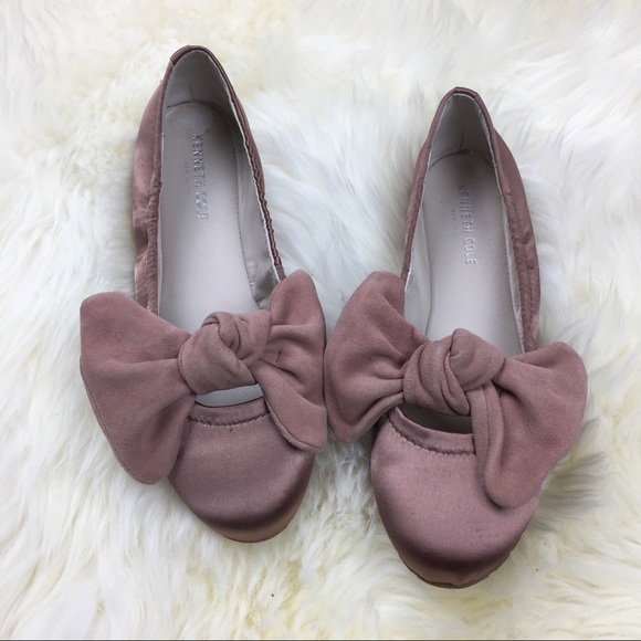 6ebbe4b58094 Kenneth Cole Pink Ballet Flats with Suede Bows 8.5